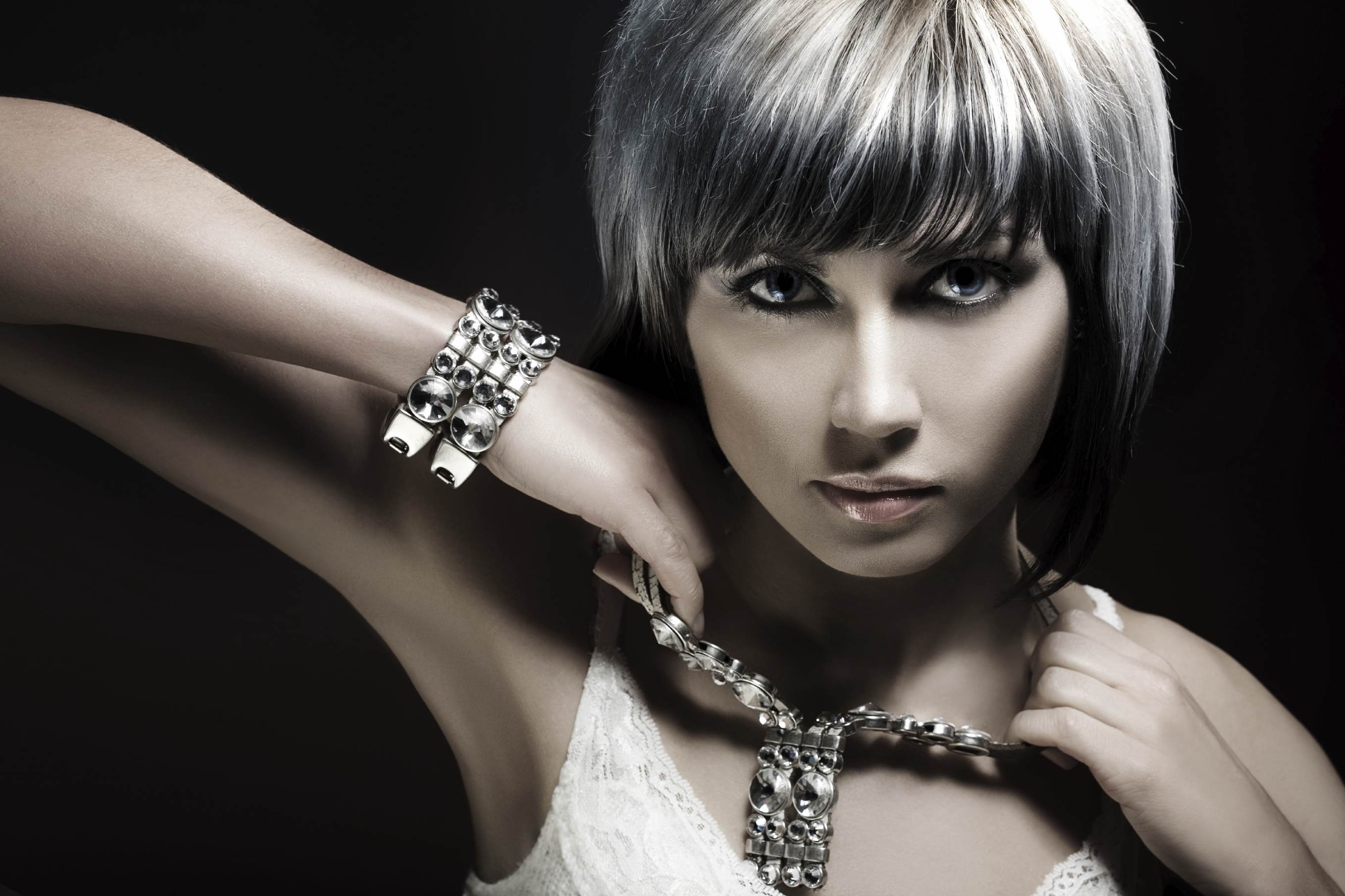 Fashion Jewelry For Women or selling jewelry